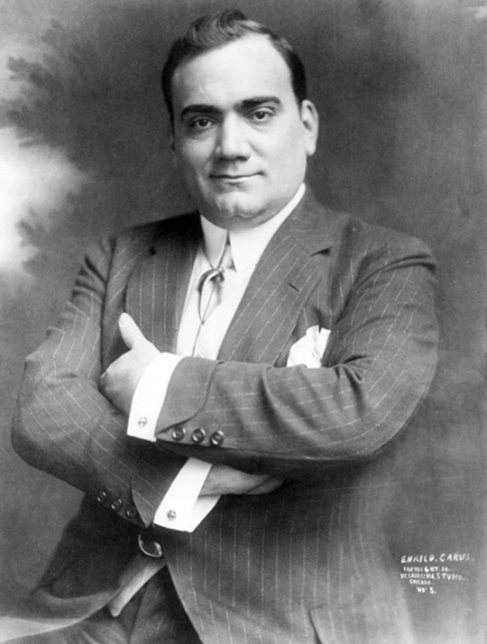 Caruso in 1910, photograph by the Laveccha Studio, Chicago (Source: Library of Congress)